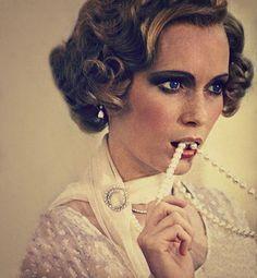 mia farrow as Daisy in Gatsby