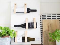 DIY tutorial: Wijnrek met leren riemen bouwen via DaWanda.com