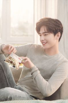 Asian Celebrities, Asian Actors, Korean Actors, Yang Chinese, Chinese Boy, Hot Asian Men, Asian Love, Handsome Actors, Handsome Boys