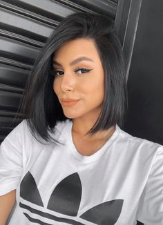 Super cute styling ideas for short hair– Just Trendy Girls: Chinese Bob Hairstyles, Long Bob Hairstyles, Easy Hairstyles, Short Hair Styles Easy, Short Hair Cuts, Medium Hair Styles, Hair Medium, Girls Short Haircuts, Bob Haircuts For Women
