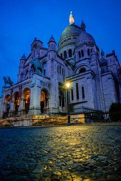 La Basilique du Sacré Cœur de Montmartre, heure bleue.