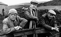 Compo (Bill Owen), Foggy (Brian Wilde) and Clegg (Peter Sallis) in Last of the Summer Wine in 1975 - another of Britain's best comedies. Comedy Actors, Comedy Show, Actors & Actresses, British Sitcoms, British Comedy, Peter Sallis, Last Of Summer Wine, English Comedy, Bbc Tv Shows