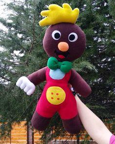 🎼Pin Pon es un muñeco...🎵🎶 . . #picoftheday #handmadeplush #handmadedolls #pinpon #peluches #peluche #muñecodetela #muñecospersonalizados #infantil #infancia #cancionesinfantiles #childrentoys #artesania #artoftheday Bday Girl, Dinosaur Stuffed Animal, Christmas Ornaments, Patterns, Toys, Holiday Decor, Crafts, Animals, Inspiration