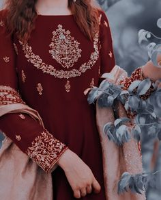 Pakistani Fashion Party Wear, Pakistani Dresses Casual, Indian Aesthetic, Angel Aesthetic, Fashion Hacks, Fashion Outfits, Fashion Tips, Beautiful Women Videos, Girly Pictures