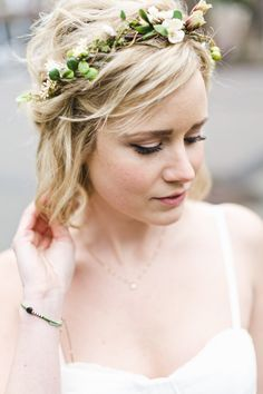 Flower crown: http://www.stylemepretty.com/2015/02/03/cozy-and-intimate-seattle-wedding/   Photography: Angela & Evan Photography - angelaandevan.com
