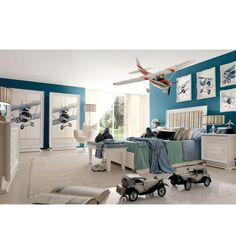 Willy aviation inspired kids room