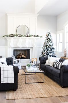 the_tomkat_studio_holiday_home_tour_1