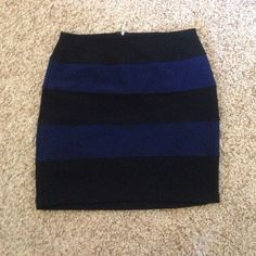 Forever 21 Skirt Black and navy blue stripped skirt, Forever 21, stretches and zips up the back, PLEASE MAKE OFFER/BUNDLE for further discount Forever 21 Skirts Mini