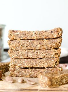 Make these easy, no-bake bars on Sunday so they're ready for the week. Enjoy 1 today as a snack with either an apple or a cup of berries. No Bake Oatmeal Bars, Oat Bars, No Bake Bars, Baked Oatmeal, Vegan Granola Bars, Baked Oats, Real Food Recipes, Vegan Recipes, Snack Recipes