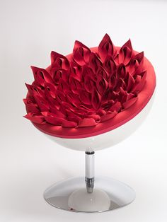 Sophie marionnet designer origami fauteuil origami éclosion cuir a paris leather bespoke copyright studio uptaken Unusual Furniture, Origami, Young Designers, Take A Seat, Decorative Bowls, Shapes, Create, Copyright, Couches