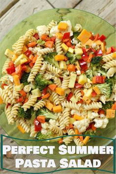 Summer Vegetable Pasta Salad recipe from RecipeGirl.com Salad Recipes For Parties, Summer Salad Recipes, Pasta Salad Recipes, Summer Pasta Salad, Summer Salads, Summer Potluck, Pasta Dishes, Food Dishes, Vegetable Pasta Salads