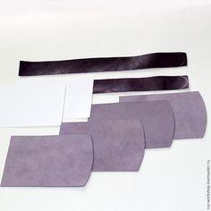 Сегодня я вам расскажу, как можно сделать чехол для мобильного телефона из натурального спилка и кожи. Для работы вам понадобиться материалы: кожа, спилок — замша, клей наиритовый, скотч 5 мм, плотная бумага, картон для построения лекал 0,5 мм , нитки, краски акриловые по коже, металлическое украшение, 2 магнита. Инструменты: канцелярский нож, линейки, молоток, шерфовальный нож, пробойник,…