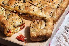 Πιπερόπιτα Φλωρίνης, Pie with red peppers and Feta cheese Greek Recipes, Vegan Recipes, Greek Pastries, Savoury Baking, Savoury Pies, Eat Greek, Filo Pastry, Savory Muffins, Greek Cooking