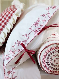 Red embroidery--MUST try redwork! Cross Stitch Embroidery, Embroidery Patterns, Hand Embroidery, Machine Embroidery, White Embroidery, Linens And Lace, White Linens, White Pillows, White Sheets