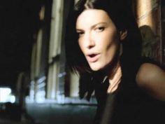 ▶ Laura Pausini - Como si no nos hubiéramos amado (videoclip) - YouTube