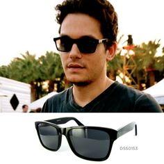 El mundo de la música está lleno de celebrities que marcan estilo. Hoy nos quedamos con las gafas de John Mayer, si te gusta el estilo del compositor y productor discográfico estadounidense, pregúntanos por el modelo DSS0153 de la colección Duomo. ¡Te esperamos!