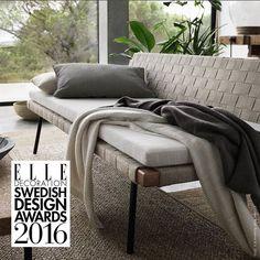I går ble dagsenga SINNERLIG kåret til årets møbel på ELLE Decoration Swedish Design Awards. SINNERLIG-kolleksjonen er et samarbeid mellom designeren Ilse Crawford og IKEA. Juryens begrunnelse er: Denne klassiske møbeltypen ble plutselig veldig moderne og i denne utførelsen går den rett inn i samtiden. Er du enig?  #SINNERLIG #dagseng #IKEA #IKEAinspirasjon #IlseCrawford #livingroom #stue #interiør #interiørdesign #interiørinspirasjon #elledecorationse by ikeanorge