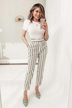Spring Work Outfit Ideas - Miss Louie - Summer Outfits for Work Spring Work Outfits, Casual Work Outfits, Business Casual Outfits, Mode Outfits, Business Attire, Office Outfits, Work Casual, Office Wear, Office Chic