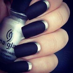 Loving these #black nails!
