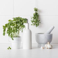 Mortel i marmor, cm - Köksredskap - Köp online på åhlens. Mortar And Pestle, Home Kitchens, Mortel, Plants, Instagram, Kitchen, Plant, Planets