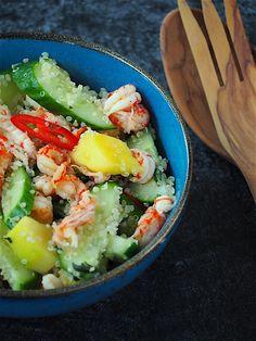 Quinoa maaltijdsalade met mango en rivierkreeftjes Love Food, Cobb Salad, Salads, Lunch, Healthy, Mango, Recipes, Quinoa Salad, Cucumber