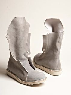 i think these may be mens but i want them for myself.