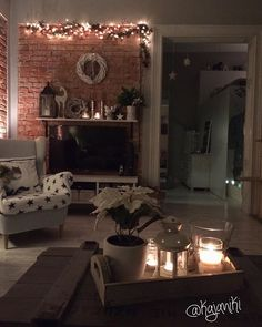 Dziękujemy wszystkim za ciepłe słowa! Wasza pozytywna energia chyba dała siłę i nasza psina dzisiaj czuje się trochę lepiej  #december #christmasdecorations #myhome #interiors #shabbyyhomes #scandinavian #homedesign #inspiration #homedecor #interiordesign #instadecor