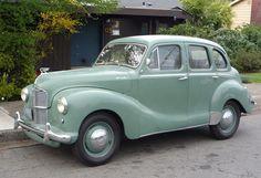 Curbside Classic: 1951 Austin Devon – The Truth About Cars Retro Cars, Vintage Cars, Antique Cars, 50s Cars, Carros Austin, Classic Trucks, Classic Cars, Peugeot 203, Austin Cars