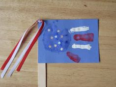 Cute 4th of July Kids Craft- handprint American flag