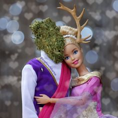 Trophy Wife Barbie is divorced. She drinks wine, smokes weed, and owns a massive arsenal of pink guns. Bad Barbie, Mattel Barbie, Barbie Dolls, Dolls Dolls, Meme Pictures, Reaction Pictures, Cannabis Wallpaper, Pink Guns, Bratz