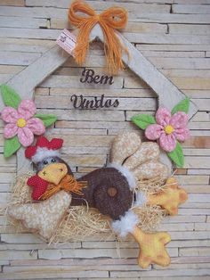 Colchas Country, Country Quilts, Grapevine Wreath, Burlap Wreath, Stuffed Animal Patterns, Hens, Holidays And Events, Art For Sale, Grape Vines