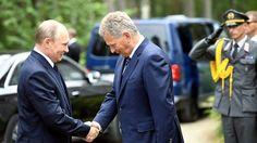 Russian President Vladimir Putin arrived in Punkaharju on 27.7.2017. He was received by Finnish President Sauli Niinistö. Photo: Lehtikuva/Martti Kainulainen
