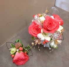 Coral and white wrist corsage Homecoming Flowers, Homecoming Corsage, Prom Flowers, Bridal Flowers, Silk Flowers, Prom Corsage And Boutonniere, Corsage Wedding, Bridesmaid Bouquet, Wedding Bouquets
