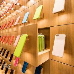 case wall at the new on the - Blackfriday Showroom Design, Shop Interior Design, Design Shop, Kiosk Design, Display Design, Retail Architecture, Architecture Design, Mobile Shop Design, Apple Store
