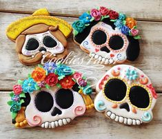 Skulls, calavera, day of the dead sugar skull cookies Fall Cookies, Iced Cookies, Cute Cookies, Cupcake Cookies, Sugar Cookies, Bolo Halloween, Fete Halloween, Halloween Cookies, Halloween Treats