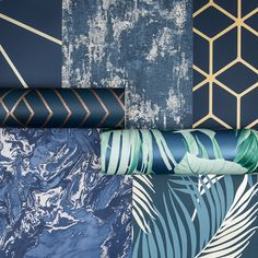 Navy interior is so popular this season. Design your own luxurious navy room with these brand new wallpaper prints. Flock Wallpaper, Flamingo Wallpaper, Navy Wallpaper, Tropical Wallpaper, Metallic Wallpaper, Perfect Wallpaper, Home Wallpaper, Navy Living Rooms, Blue Living Room Decor