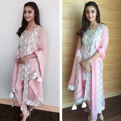 Alia, Deepika and Katrina make sleek hair look hot Black Bridal Dresses, Baby Pink Dresses, Dress Indian Style, Indian Dresses, Indian Outfits, Stylish Dresses, Casual Dresses, Short Hair Outfits, Simple Kurta Designs