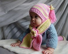 Knit baby girls hat and sarf with flowers, hand knitted baby girls set