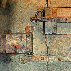 'Schloss und Riegel' von Dirk h. Wendt bei artflakes.com als Poster oder Kunstdruck $18.03