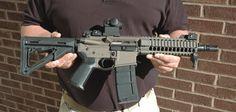 SBR's are a beautiful thing. Assault Weapon, Assault Rifle, Weapons Guns, Guns And Ammo, Ar Rifle, Ar Pistol, Fire Powers, Ares, Cool Guns