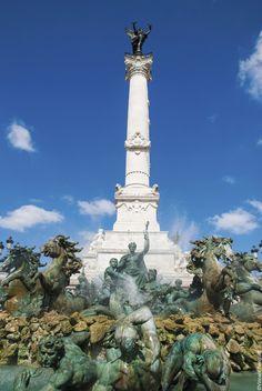 Lo que no debes perderte en Burdeos / Saludar a la estatua del Genio de la Libertad en la explanada de Quinconces./  #Burdeos #Francia #Eurocopa #LeRendezVous #FranceFR #Rendezvousenfrance #EURO2016