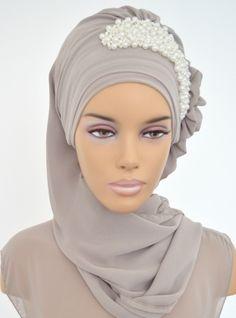 Hijab Gown, Turban Hijab, Disney Wedding Dresses, Pakistani Wedding Dresses, Turbans, Muslim Fashion, Hijab Fashion, Turkish Hijab Style, Pashmina Hijab Tutorial