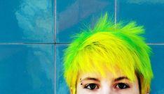 62 Spectacular Scene Hairstyles For Short & Medium Hair - Be Trendsetter Neon Green Hair, Mint Hair, Neon Hair, Yellow Hair, Trends 2018, Pixie, Bright Hair, Colorful Hair, Bright Green