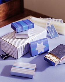 Hanukkah Matchboxes What better gift is there for Hanukkah, the Festival of Lights? Pair a bundle of candles with matchboxes that you've wrapped in blue and silver papers. Hanukkah Crafts, Jewish Crafts, Hanukkah Decorations, Hannukah, Happy Hanukkah, Holiday Crafts, Hanukkah Lights, Hanukkah 2019, Hanukkah Celebration