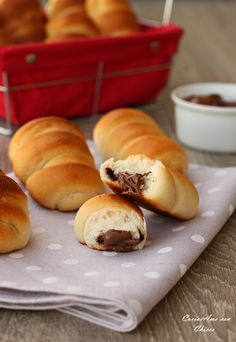 Flauti alla nutella con pasta madre |CuciniAmo con Chicca Biscotti Cookies, Velvet Cake, Galette, Bakery, Sweet Treats, Food And Drink, Sweets, Bread, Snacks