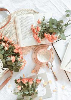 Peach Aesthetic, Spring Aesthetic, Flower Aesthetic, Book Aesthetic, Aesthetic Photo, Aesthetic Pictures, Aesthetic Design, Aesthetic Backgrounds, Aesthetic Iphone Wallpaper