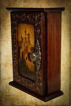 """Купить ключница """"Роскошь и великолепие"""" - коричневый, ключница, замок, старый город, роскошь, Шкафчик"""
