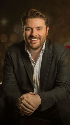 Chris Young celebrates Christmas in October
