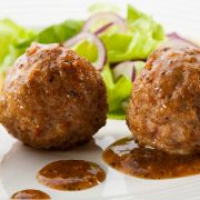 Meatballs with onion and peppers