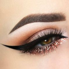 Eyeliner is one of the best type of eye makeup that helps to enhance your eyes and make it look more beautiful. By applying eyeliner you can accentuate your eyes…View Post Eye Makeup Tips, Makeup Goals, Skin Makeup, Makeup Inspo, Beauty Makeup, Makeup Ideas, Makeup Brushes, Makeup Hacks, Makeup Eyeshadow